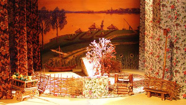 Декорация спектакля 'Бабий бунт' Степан Зограбян Ростовского музыкального театра