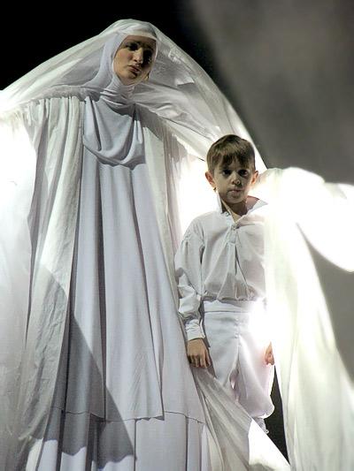 Опера Юнона и Авось Ростовского Музыкального театра, фото Веры Волошиновой