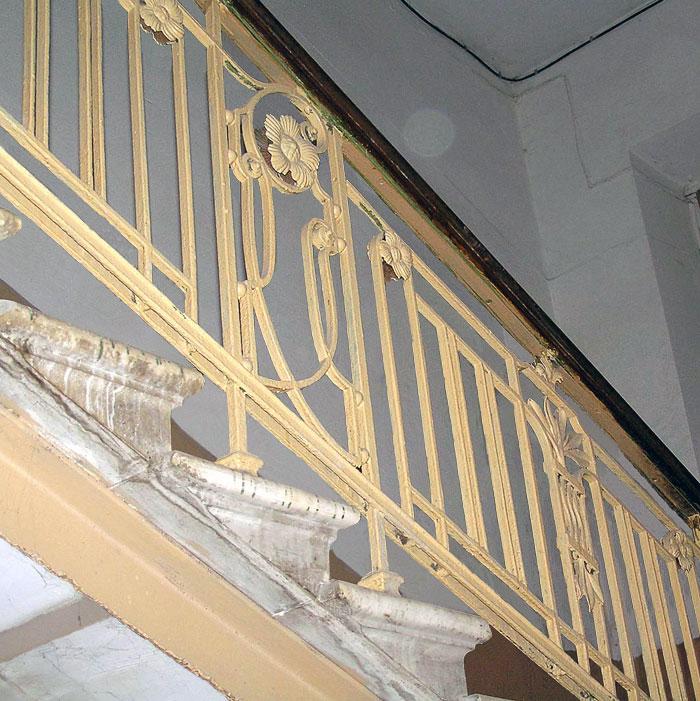 Большая Садовая 23, лестничное ограждение, Ростов-на-Дону, фото Веры Волошиновой