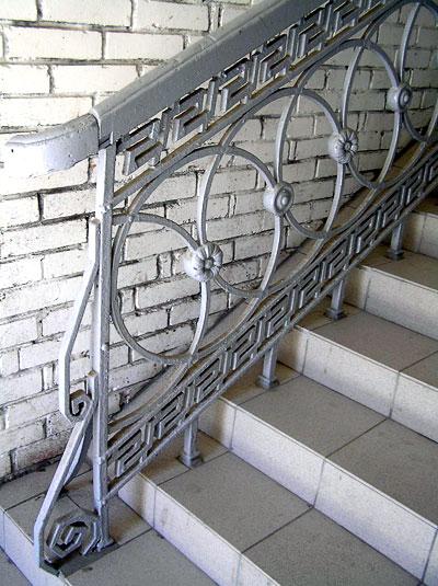 Лестничное ограждение, Большая Садовая 95, Ростов-на-Дону, фото Веры Волошиновой