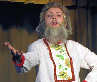 Виктория Бурдикова (Дед),  в опере Виталия Ходоша Репка, постановка Евгения Седых, фото Веры Волошиновой