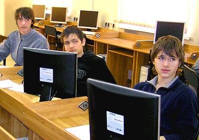 В компьютерном классе РКСИ, Ростов-на-Дону, фото Веры Волошиновой