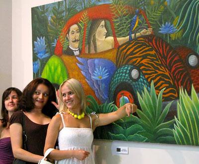 На выставке 'Ремейк' в ростовской галерее «М», 2009 год, фото Веры Волошиновой