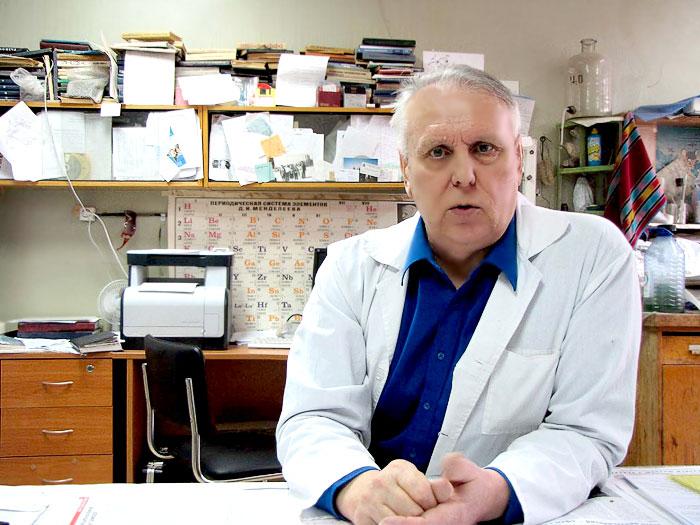 Заведующий кафедрой общей и неорганической химии химического факультета ЮФУ, профессор Тимофей Лупейко, фото Веры Волошиновой
