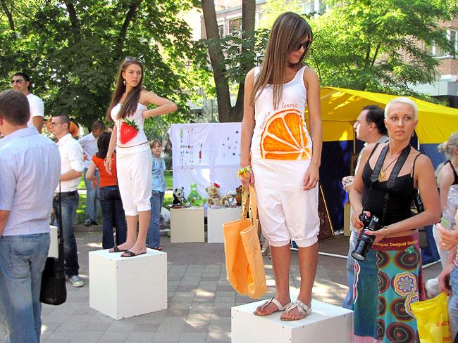 Молодые дизайнеры, проект Арт-район Первого Южно-Российского Биеннале, фото Веры Волошиновой
