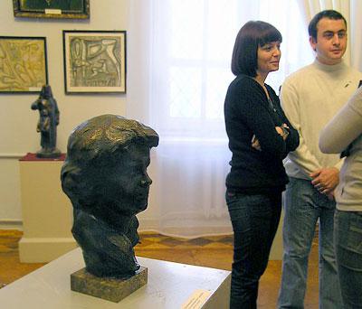 На выставке скульптора Ариадны Александровой-Санамянц, фото Веры Волошиновой