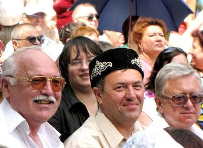 Среди участников праздника - Владимир Некрасов, Татарский праздник Сабантуй в Ростове-на-Дону, фото Веры Волошиновой
