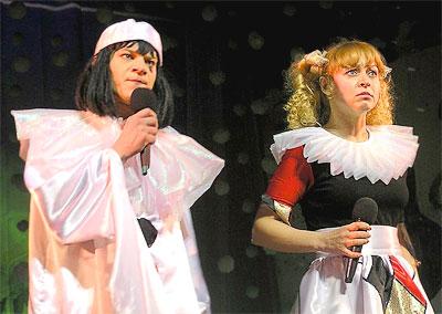 Пьеро и Коломбина, Новогоднее представление в Ростовском Молодежном театре, фото Веры Волошиновой