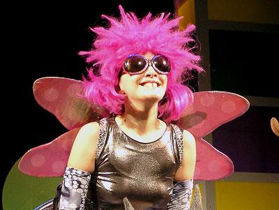 Наталья Аскарова (Муха) в спектакле Ростовского олодежного театра (ТЮЗа) 'Все - ок'ей', фото Веры Волошиновой