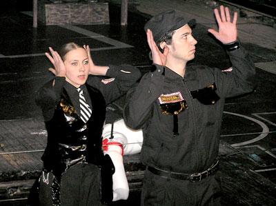 Спектакль 'Полицейские' Ростовского Молодежного театра, фото Веры Волошиновой