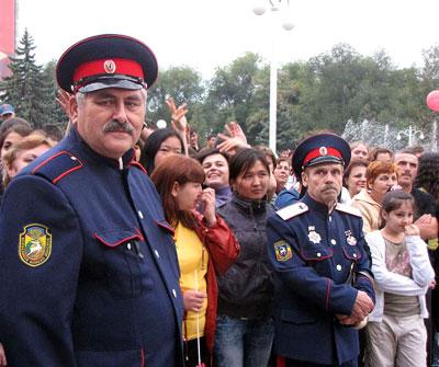 Порядок на празднике поддерживали казаки, на празднике Ростов многонациональный, день города 2009, фото Веры Волошиновой