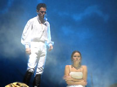 Анна Аверина  (Кончита) и Андрей Пужалин (граф Резанов) , в опере Юнона и Авось Ростовского Музыкального театра, фото Веры Волошиновой