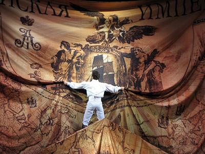 Андрей Пужалин (граф Резанов) в опере Юнона и Авось Ростовского Музыкального театра, фото Веры Волошиновой