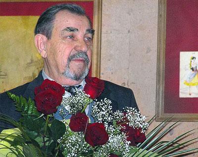 Театральный художник Василий Алексеенко на открытие своей выставки в Ростовском музыкальном театре, фото Веры Волошиновой