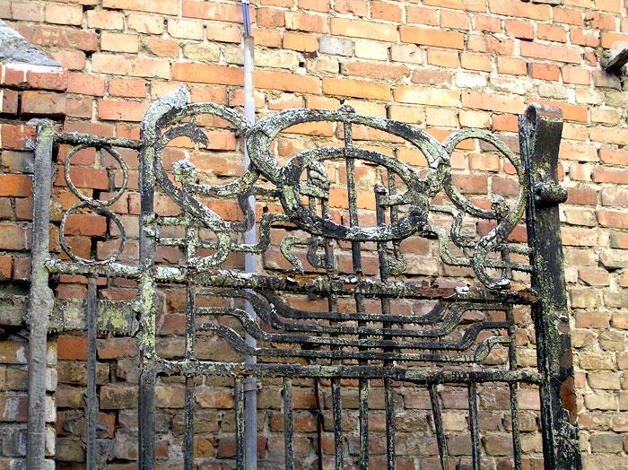Советская 27, фрагмент ворот, Ростов-на-Дону, фото Веры Волошиновой