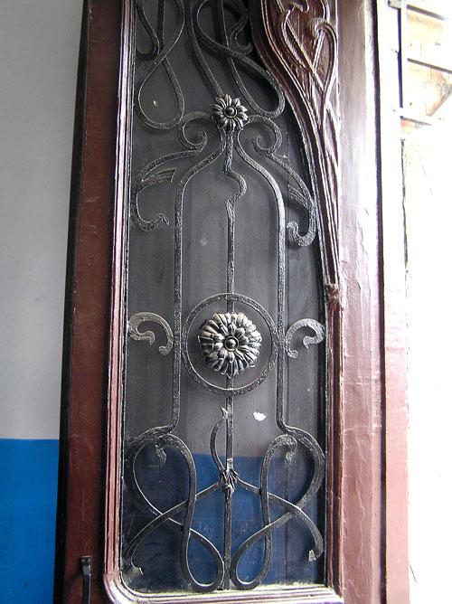 Социалистическая 121, дверь, Ростов-на-Дону, фото Веры Волошиновой