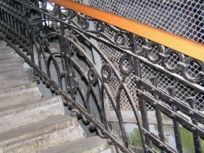 Станиславского 100, лестничное ограждение, Ростов-на-Дону, фото Веры Волошиновой