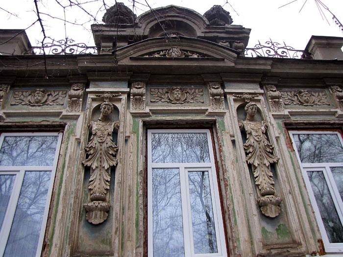 Фрунзе 20 - один из сохранившихся домов начала XX века, фото Веры Волошиновой