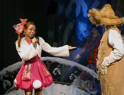 Марина Карлышева (Элли), Новогодний переполох - 2, Ростовский Молодежный театр, фото Веры Волошиновой