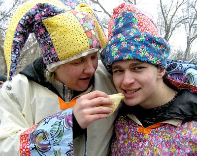 Праздник Масленицы в Ростовском Государственном универстете путей сообщения, 2009, фото Веры Волошиновой