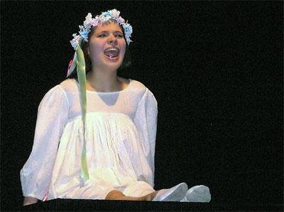 Александра Сопова (Панночка) в спектакле Новошахтинского театра 'День без даты'
