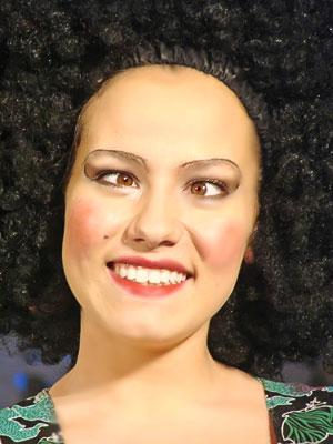 Марина Хлебникова (Гортензия) в спектакле Новошахтинского театра