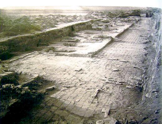Остатки крепостной стены крепости Саркел или Белой Вежи в 1950 году