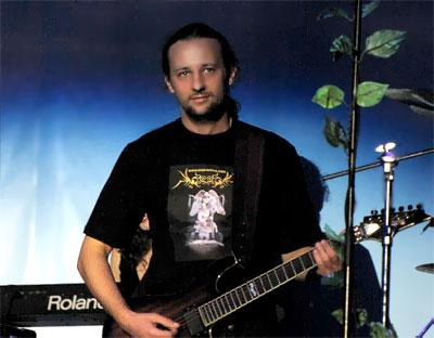 Евгений Пронин руководитель ростовской симфо-рок группы Esse, фото Веры Волошиновой